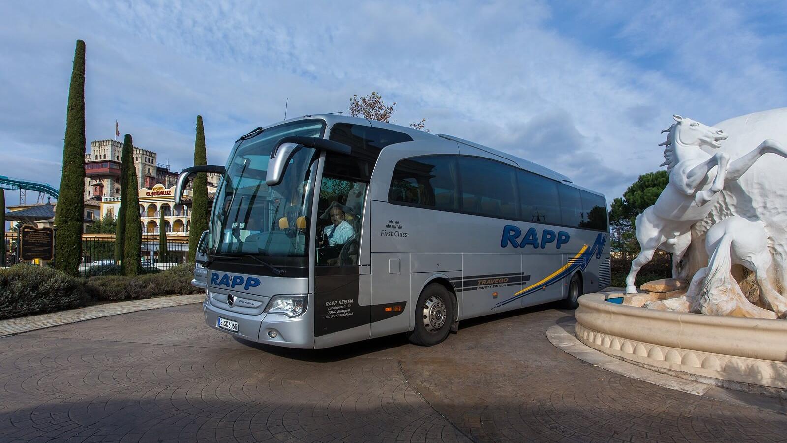 VIP-Shuttles und Bustransfer. Wir übernehmen die Organisation - egal ob 50 oder 500 Personen!